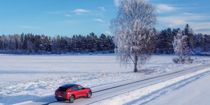 Nya Mustang Mach E for forsta gangen pa svensk mark