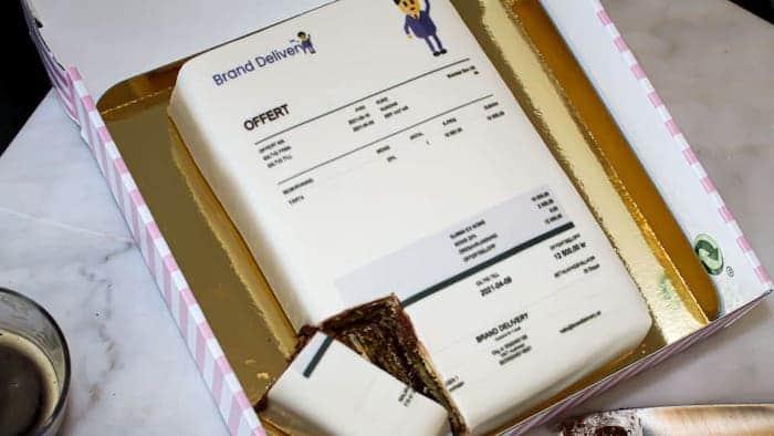 Offert i form av en tårta
